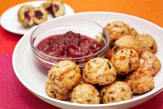 Healthy Super Bowl Snacks: Cranberry Chicken Meatballs Recipe