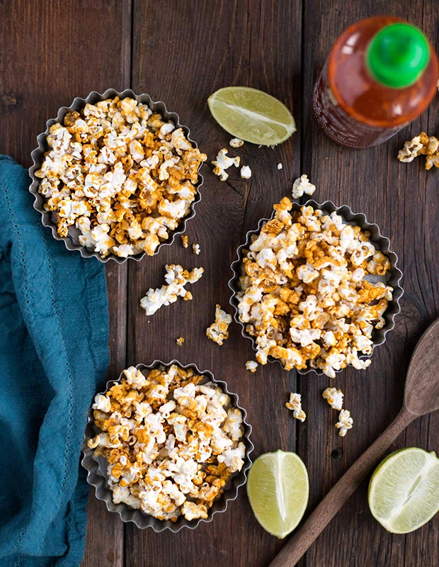 Healthy Super Bowl Snacks: Honey Sriracha Popcorn